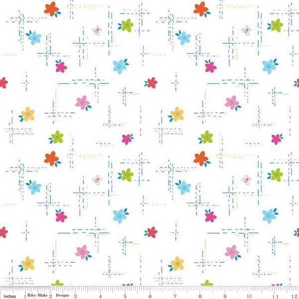 Simply Happy Dash White  Fabric - StoryQuilts.com