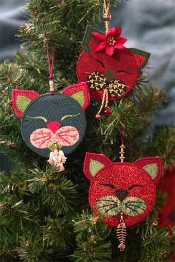 Cranberry Kitty Christmas Ornament Storyquilts Com