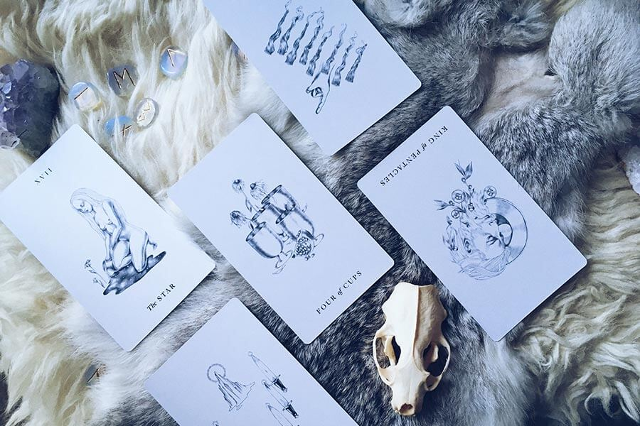 A tarot reading using the Aquarius Full Moon Spread