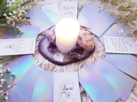 Luminous Spirit Tarot Deck: Holographic tarot cards with minimalist, hand-drawn imagery