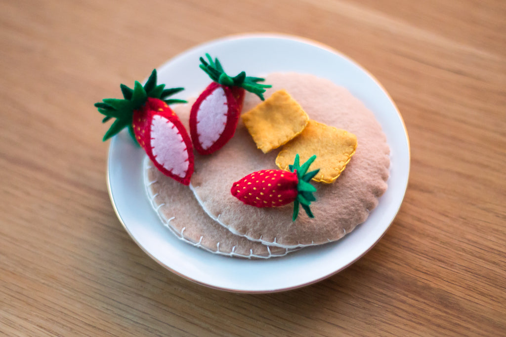 Felt Pancake & Sliced Strawberries Tutorial