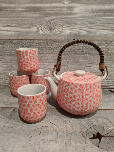 Coral Hemp Leaf Tea Set