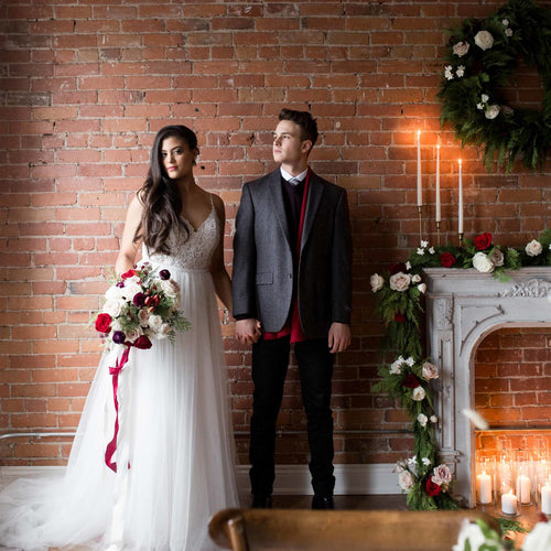Cozy Holiday-Themed Styled Shoot