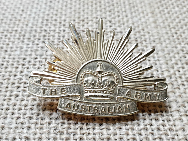 Australian Rising Sun (post war) Queens Crown