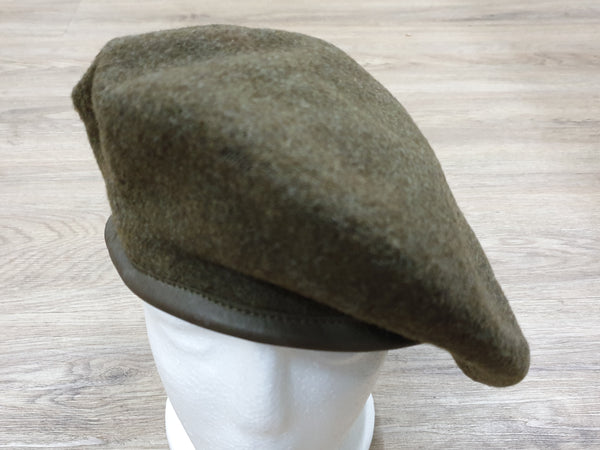 Beret Canada 1945 Marked