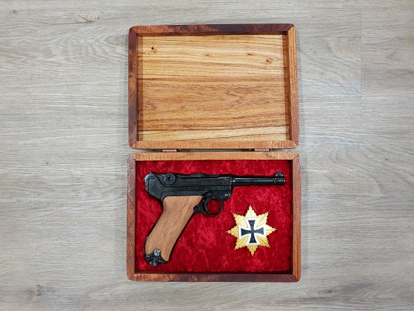 Luger PO8 timber grip boxed