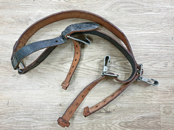 East German Leather Y-Strap (similar to WW2)