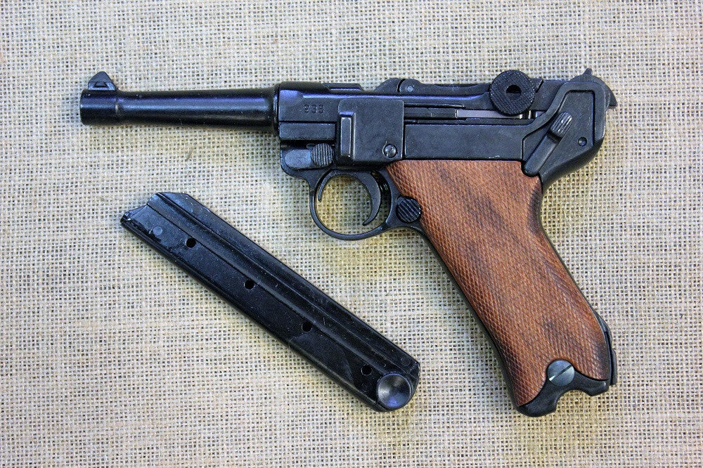 Luger Po8 9mm (timber grips)