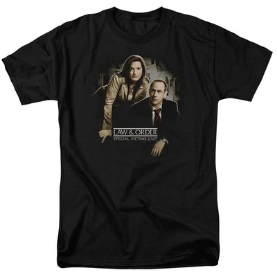 Law and Order: SVU Helping Victims Men's Regular Fit T-Shirt