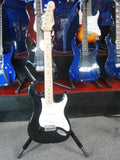 MONTEREY ST STYLE GUITAR IN BLACK - Musiclandshop