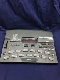 ZOOM RYTHEM TRAK 234 DRUM MACHINE