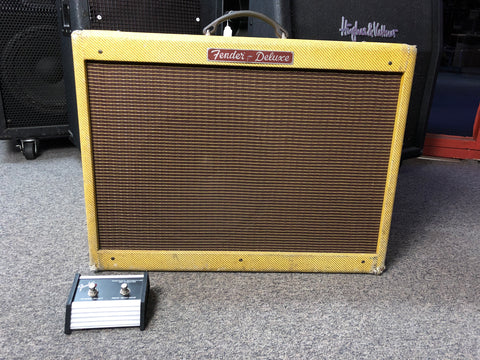 Fender Limited edition deluxe with foot switch - Musiclandshop