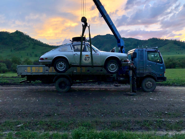 Nico Samaras and Mark Gudaitis compete in the Peking to Paris rally 2019 - Getting towed in Siberia