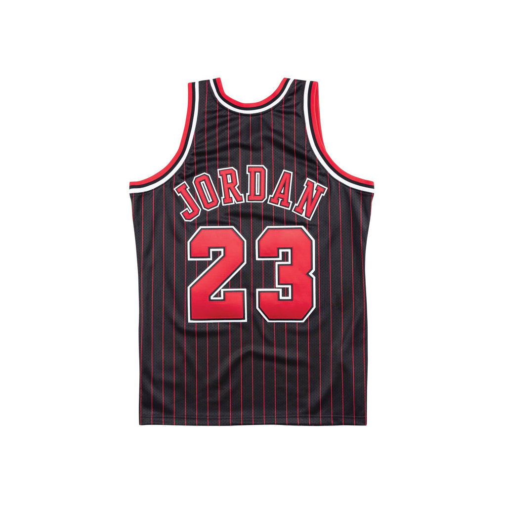 Chicago Bulls 1996/97 Authentic Jersey Jordan (Pinstripe)