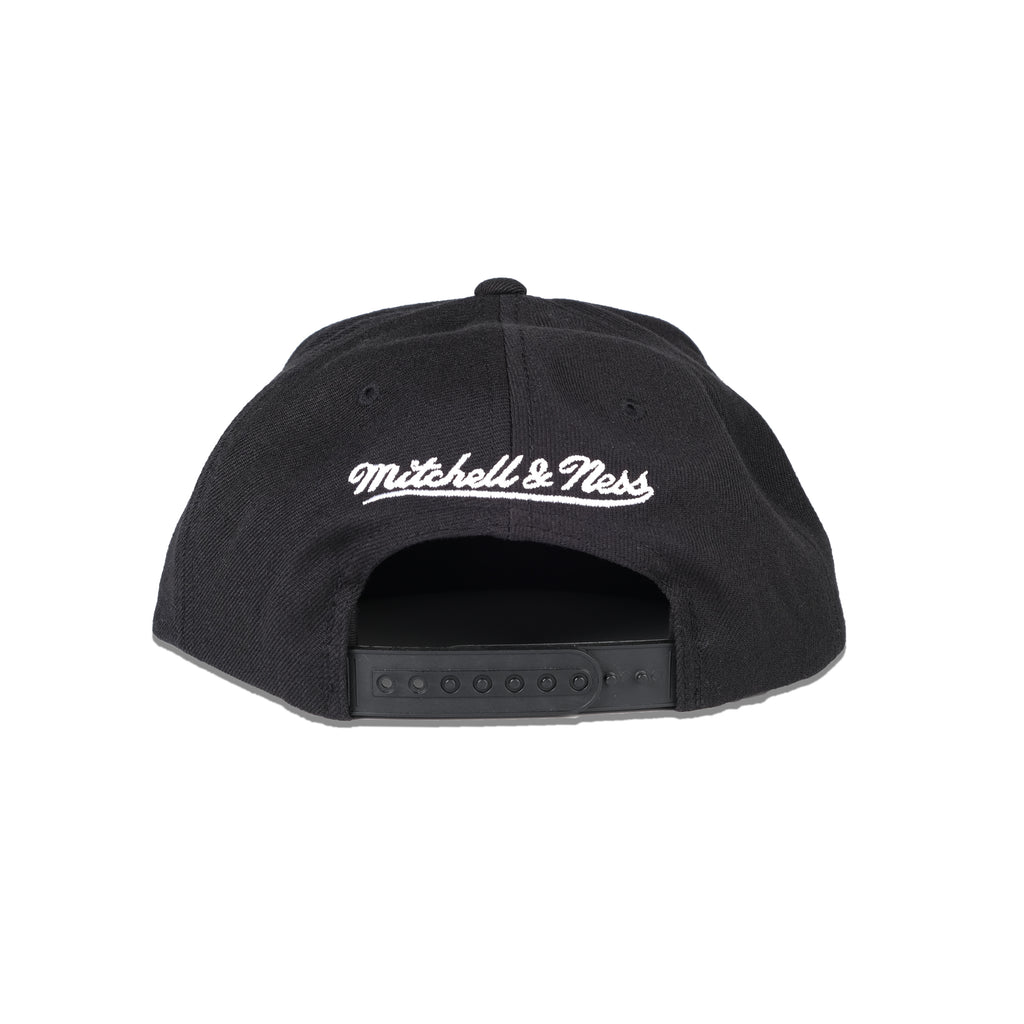 M&N  Black/White Logo High Crown  Bulls- NAR379