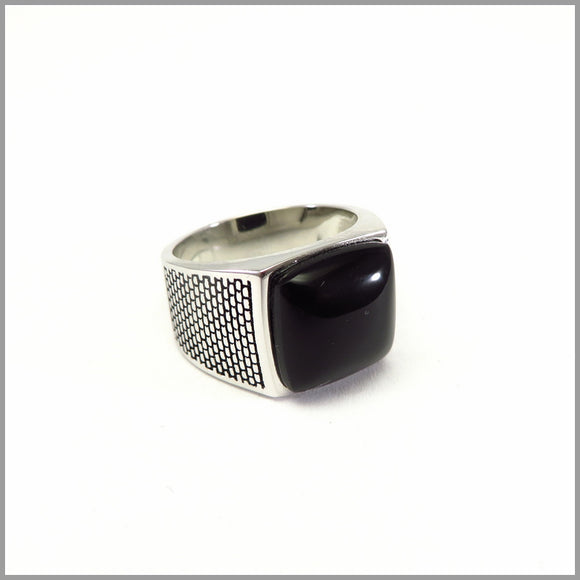 FM21.56 Black Onyx Silver Ring