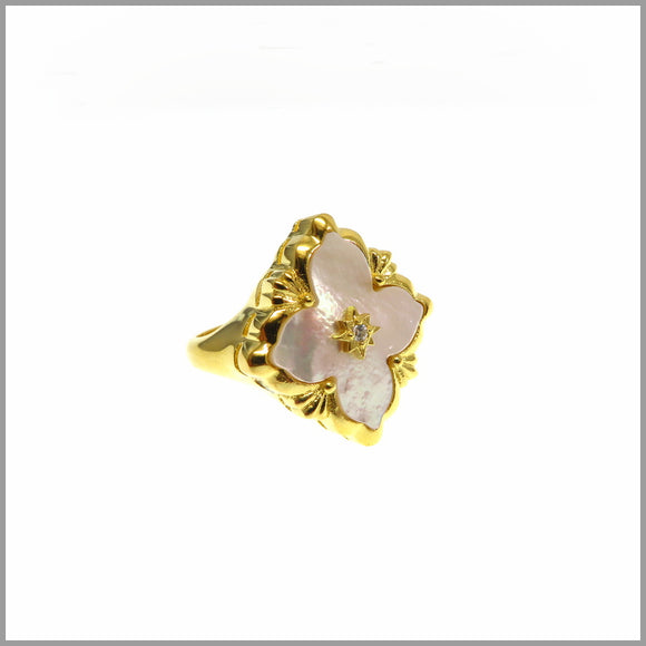 FM23.59 Mother of Pearl Flower Ring