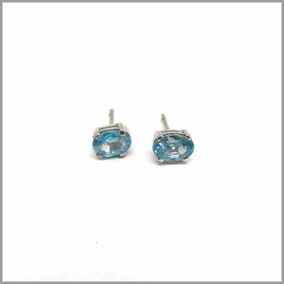 GJE2.27 Blue Topaz Stud Earrings