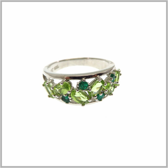 HG25.46 Peridot & Emerald Ring
