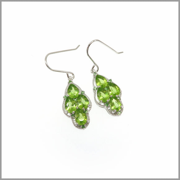 HG25.9 Peridot Silver Earrings