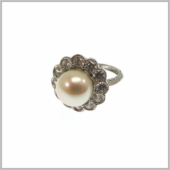 HG28.270 Pearl Flower Ring