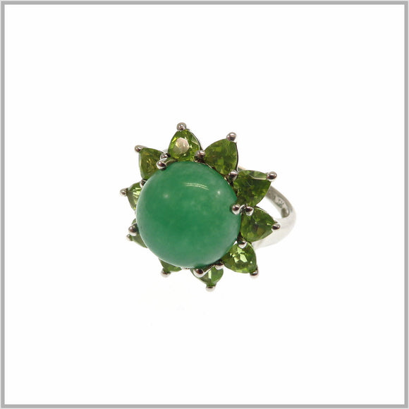 HG28.91 Jade & Peridot Flower Ring