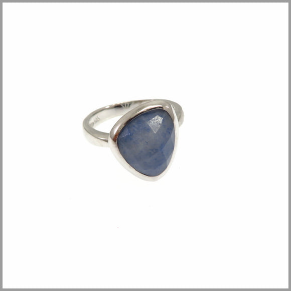 LG21.11 Blue Quartz Ring