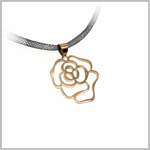 PS7.47 Rose Gold Rose Pendant