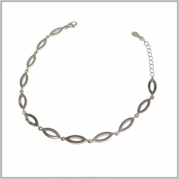 TY1.32 Silver Marquise Bracelet