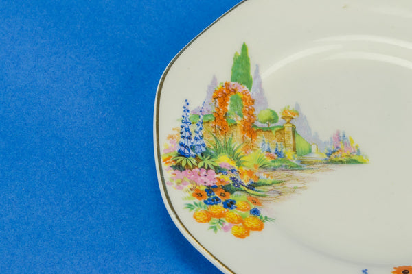 6 small colourful plates