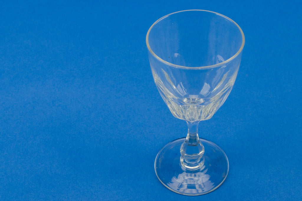 Panel cut dessert wine glass