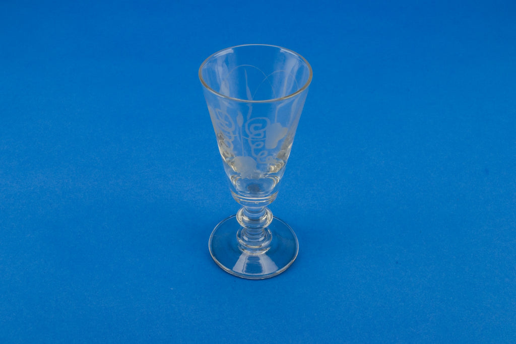 Engraved flute glass