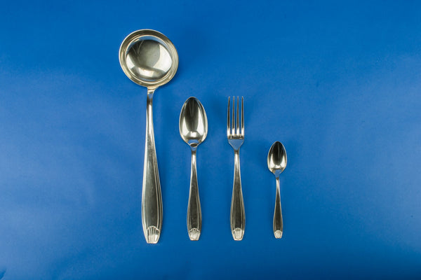 Cutlery dinner set for 12