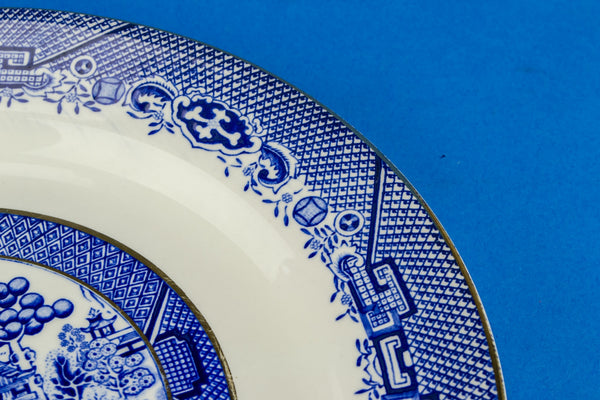 3 blue willow dinner plates