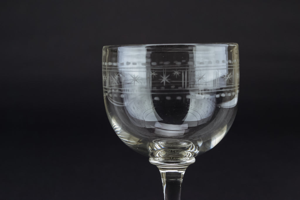 Engraved wine stem glass