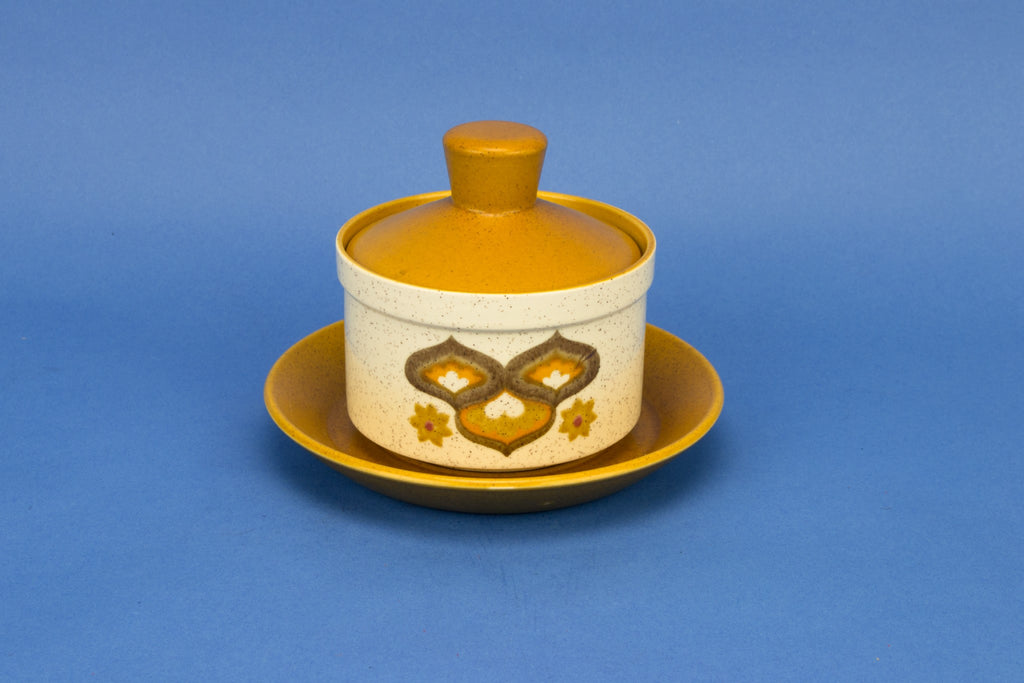 Saucer serving bowl on plate