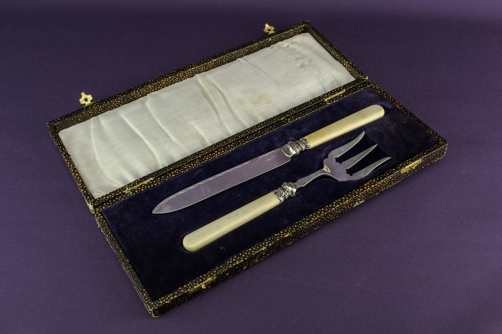 Serving fork & knife set
