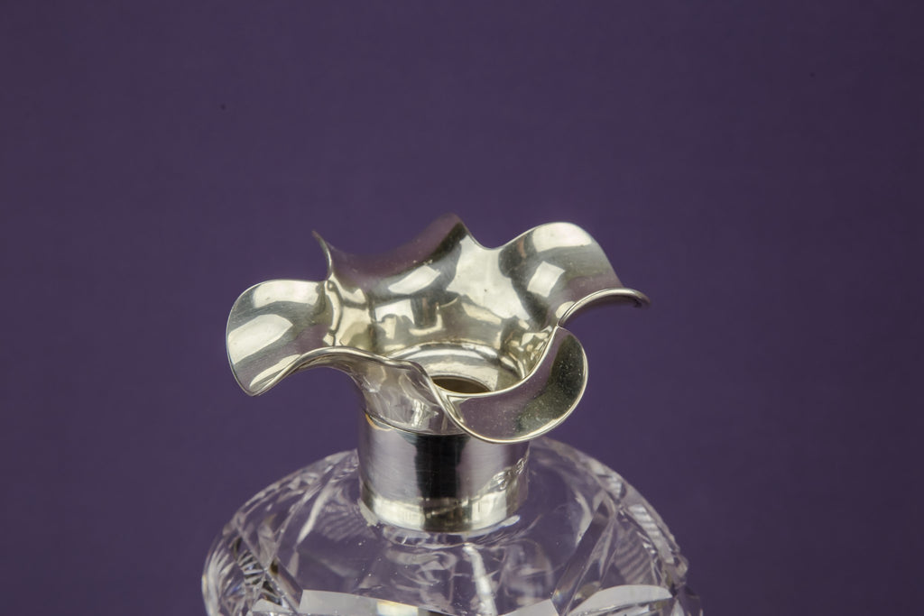 Tapered square decanter