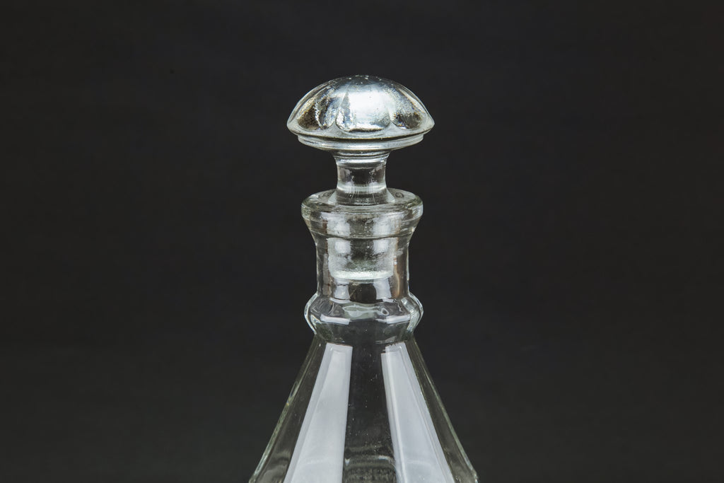 Tapered decanter