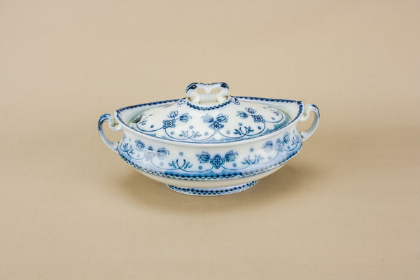 Neo-Classical pottery tureen