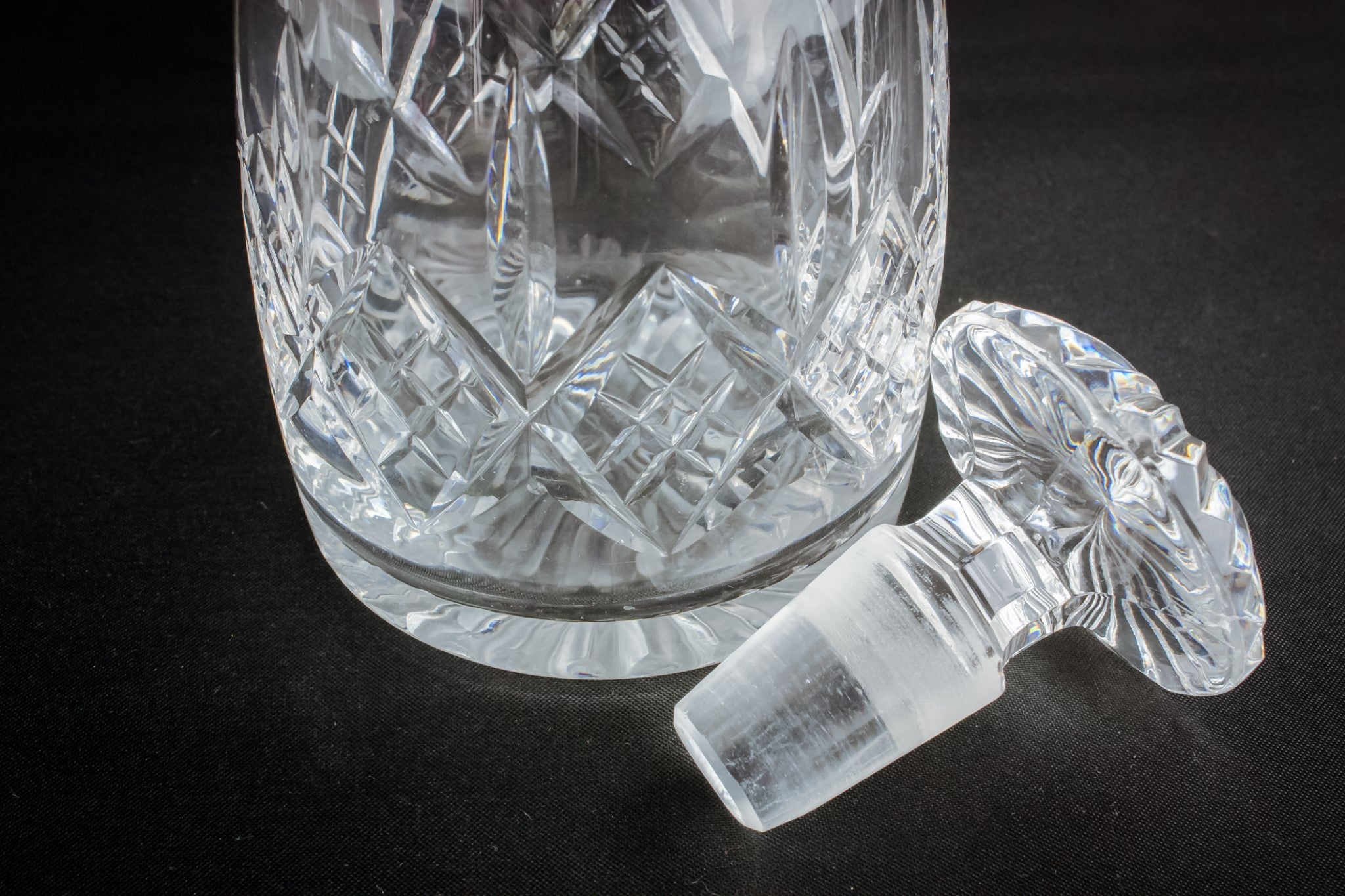 Moulded glass decanter