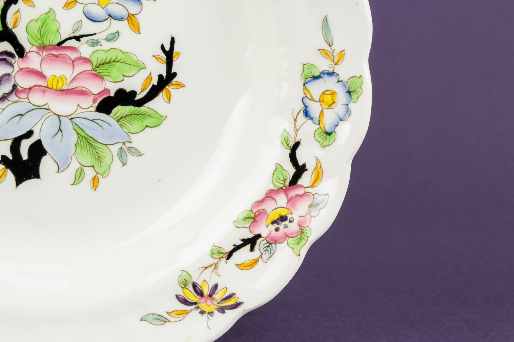 6 floral pottery bowls