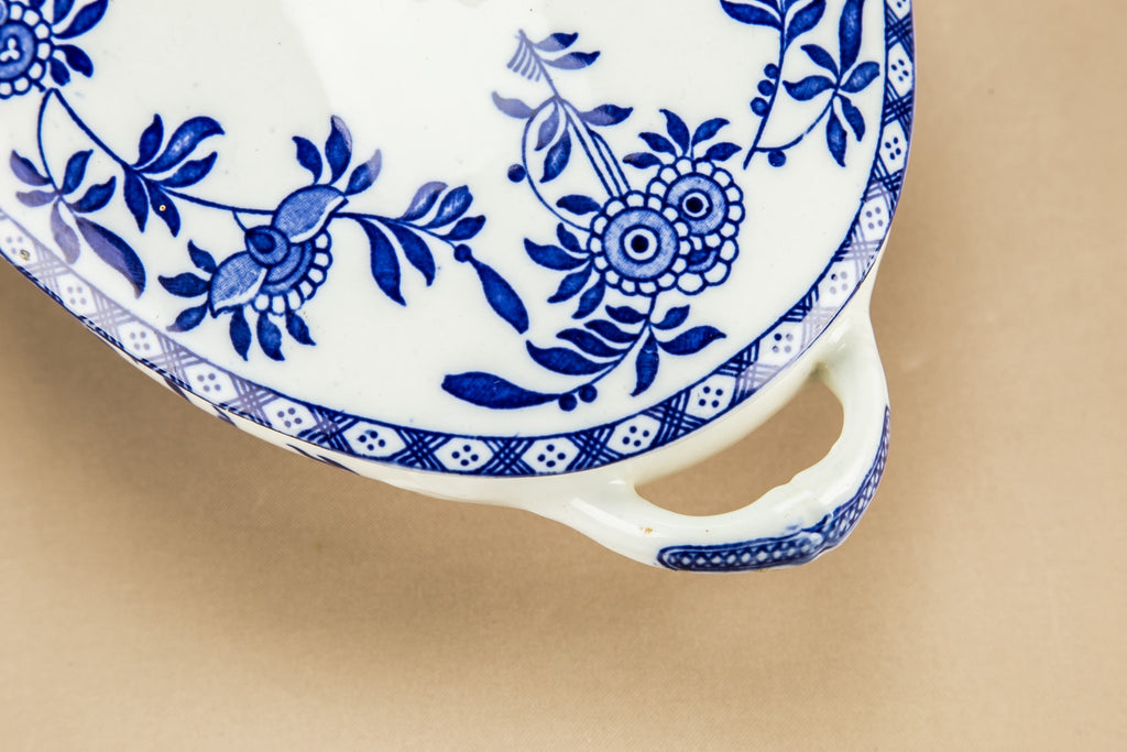 Blue and white tureen