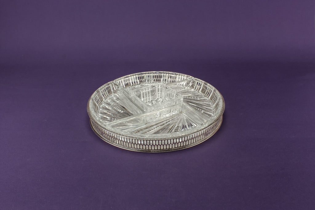 Partitioned serving dish