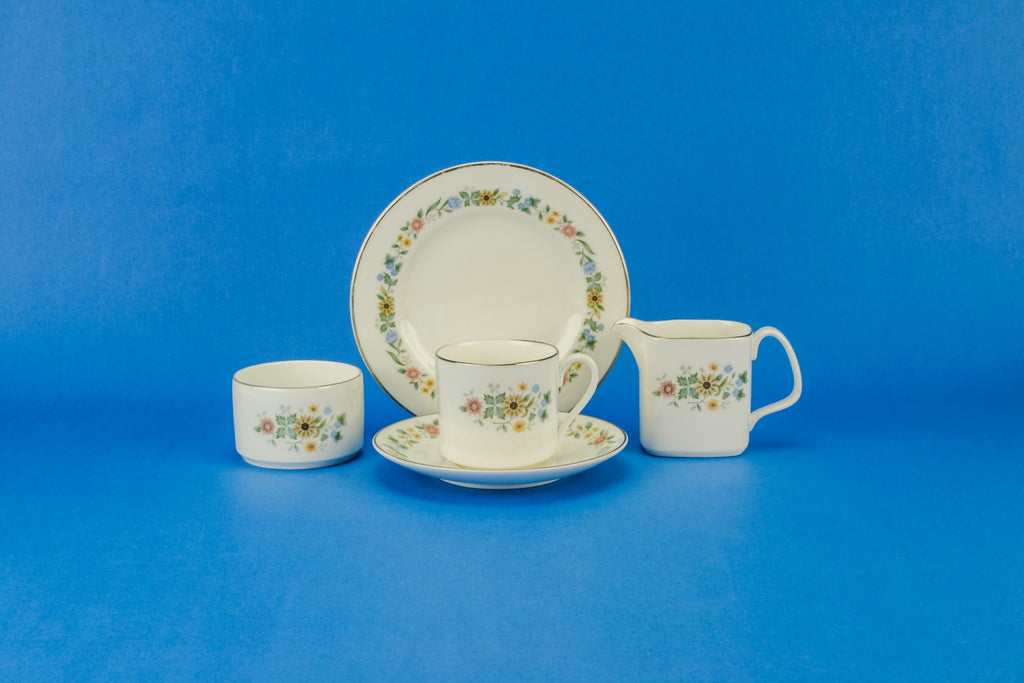 Six persons coffee set