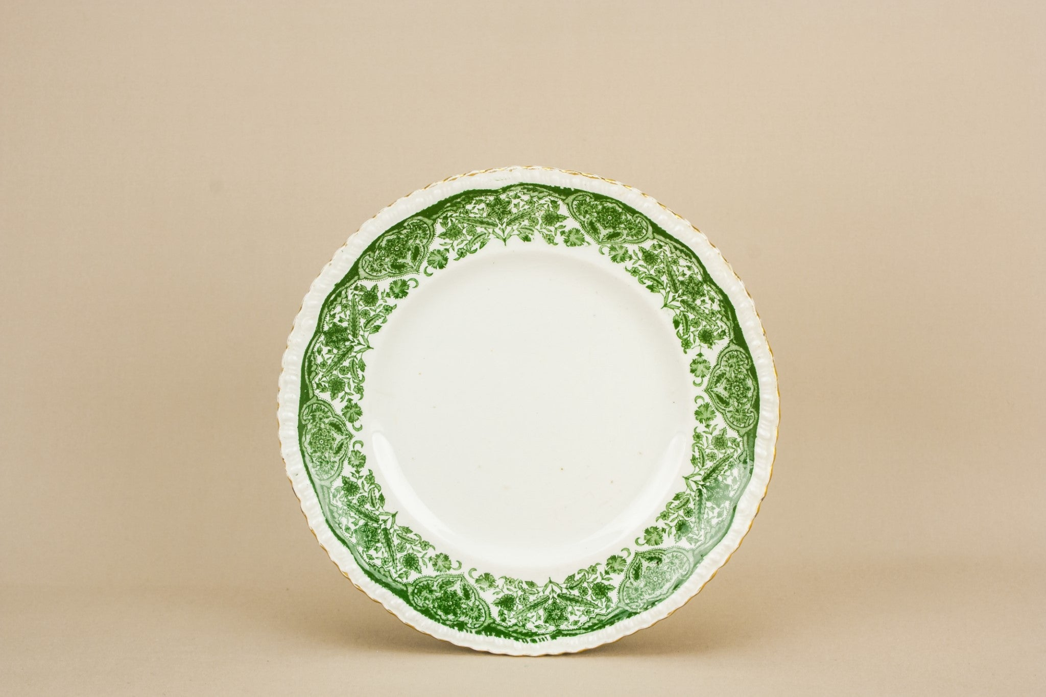 4 small green plates
