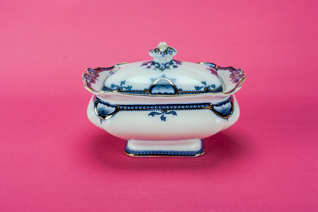 Blue and white sauce tureen
