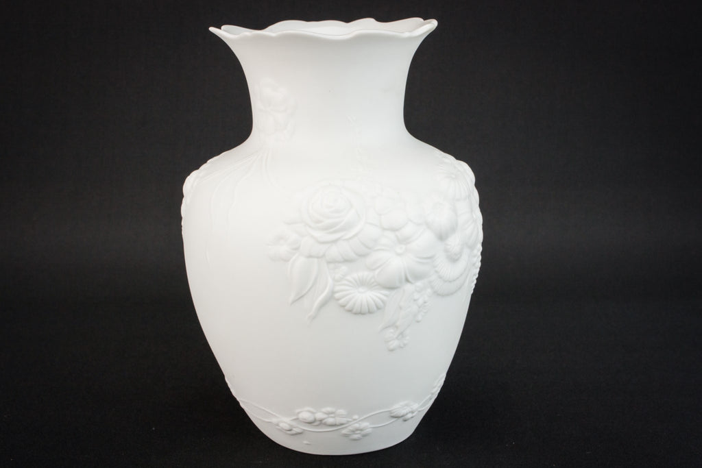 Medium porcelain vase