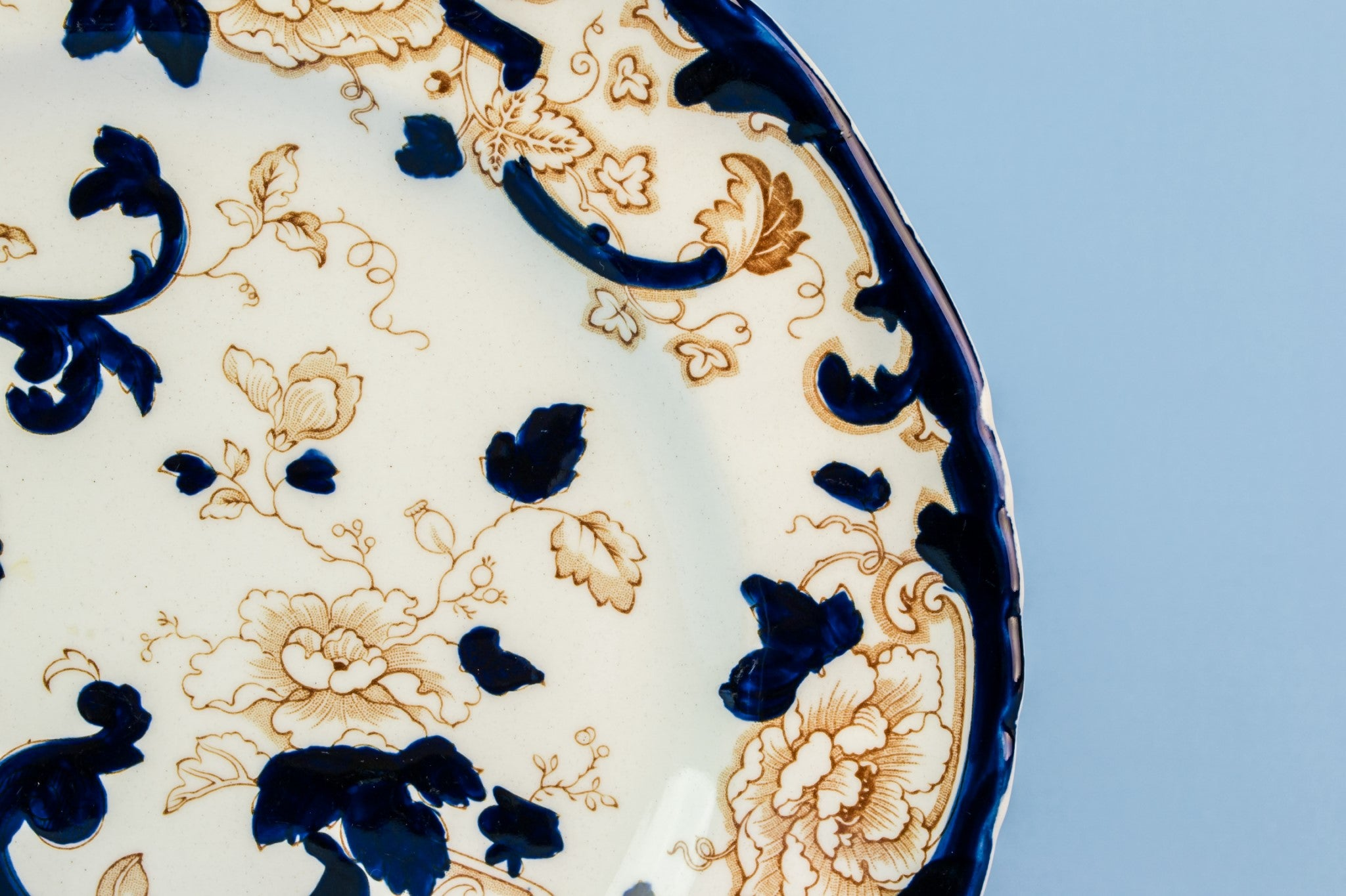 Blue and white cake plate