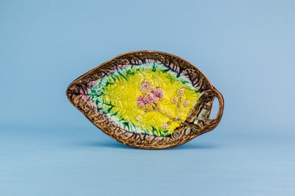 Majolica serving dish